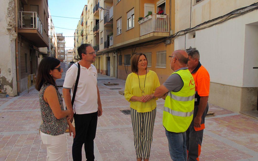 Finalitzen les obres de peatonalització del carrer del Riu i adjacents