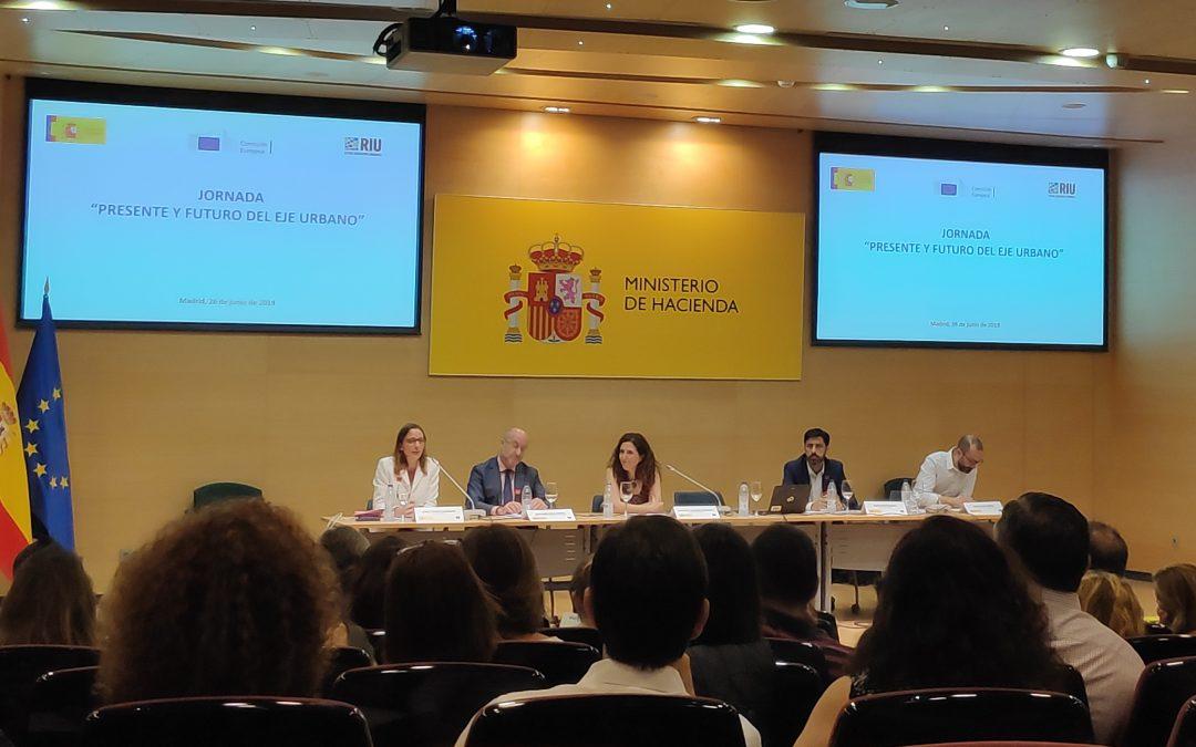 """Jornada """"Present i futur de l'eix urbà"""" i Reunió del grup de treball per a l'eix 12 dins del POPE per al període 2014-2020"""